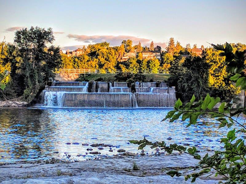 Riverside Damp arkivbilder