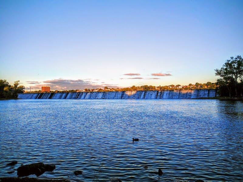 Riverside Damp arkivfoto