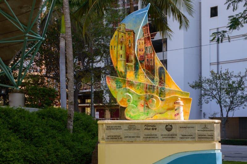 Riverwalk-Beitrag in im Stadtzentrum gelegenem Fort Lauderdale stockfotos