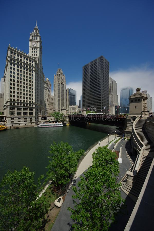 Riverwalk de Chicago images stock