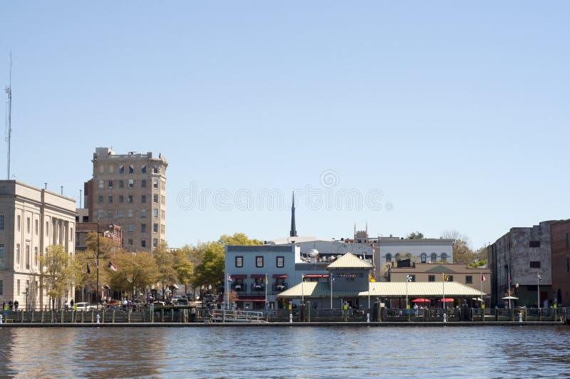 Riverwalk in im Stadtzentrum gelegenem Wilmington, NC lizenzfreie stockbilder