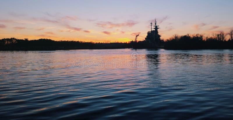 Riverwalk-Sonnenuntergang lizenzfreies stockfoto