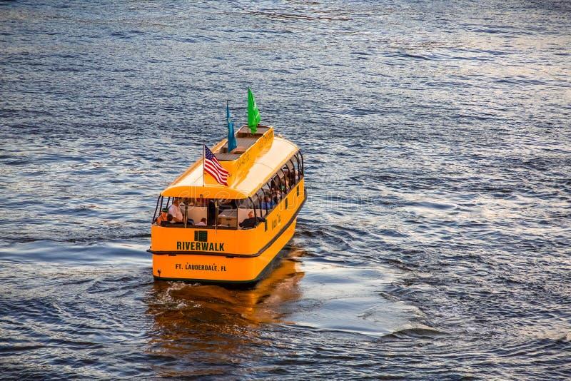 Riverwalk-Wasser-Taxi im Fort Lauderdale lizenzfreies stockbild