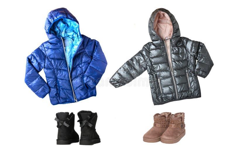 Rivestimenti e stivali di inverno di Children's Un insieme del collage dei bambini immagini stock