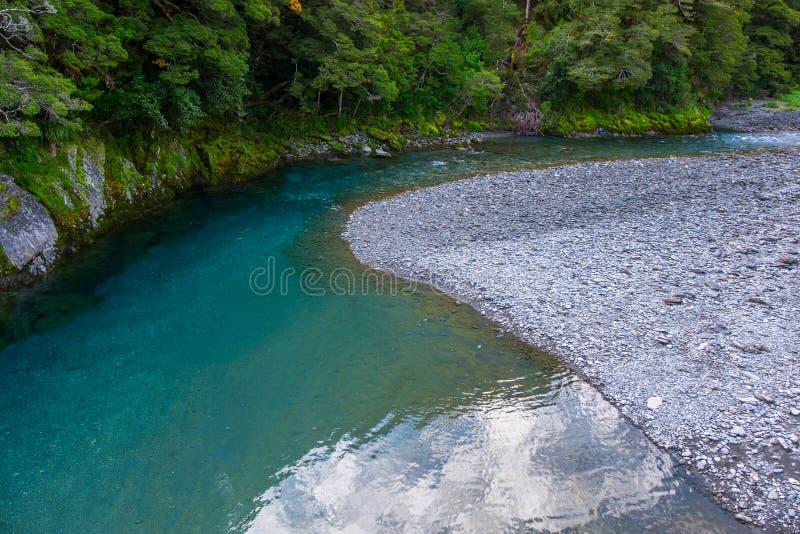 Rivière bleue à la voie bleue de piscines, Nouvelle-Zélande photos libres de droits