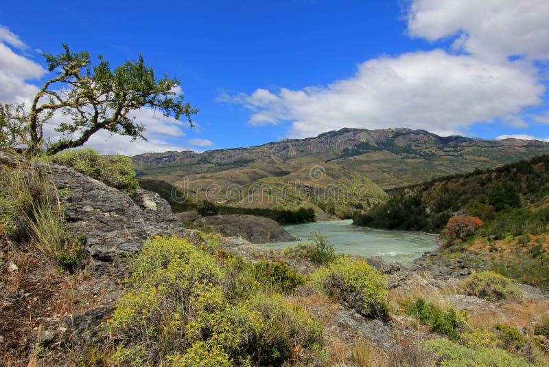 Rivière bleue profonde de Baker, Carretera austral, Chili photographie stock libre de droits