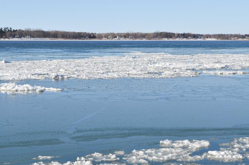 Rivière congelée de StLawrence photo libre de droits