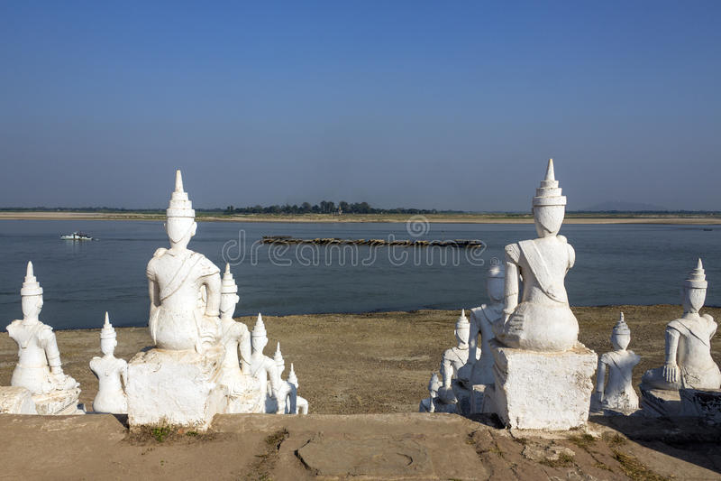 Rivière d'Irrawaddy chez Mingun - Myanmar image libre de droits