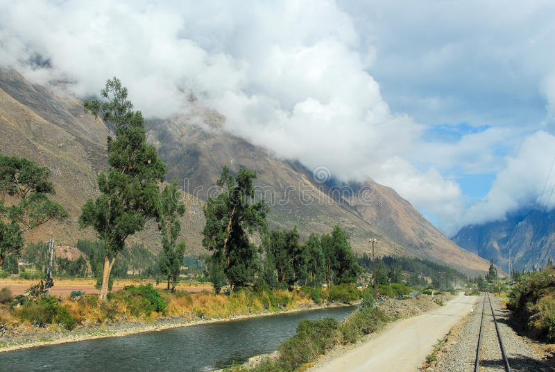 Rivière d'Urubamba près de Machu Picchu (Pérou) photo stock