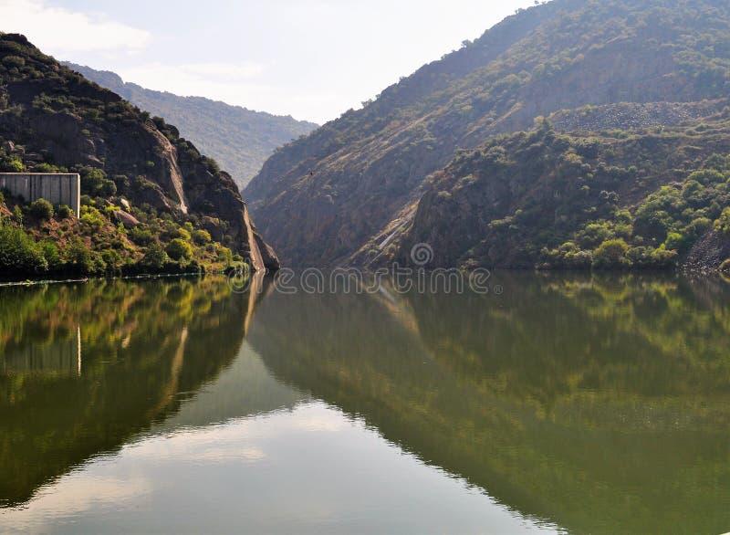 Rivière de Douro - le paysage images stock