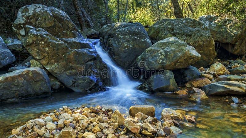 Rivière de Honey White Water Algeciras Cadiz Espagne images libres de droits