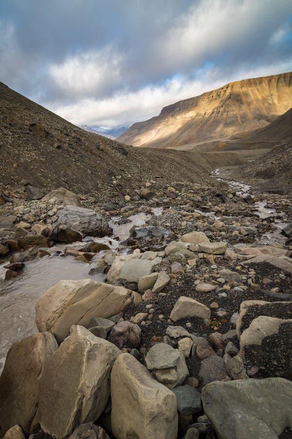 Rivière de Longyear dans le Svalbard photos libres de droits