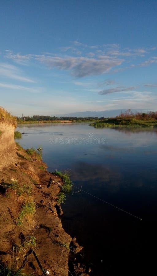 Rivière de matin photo stock