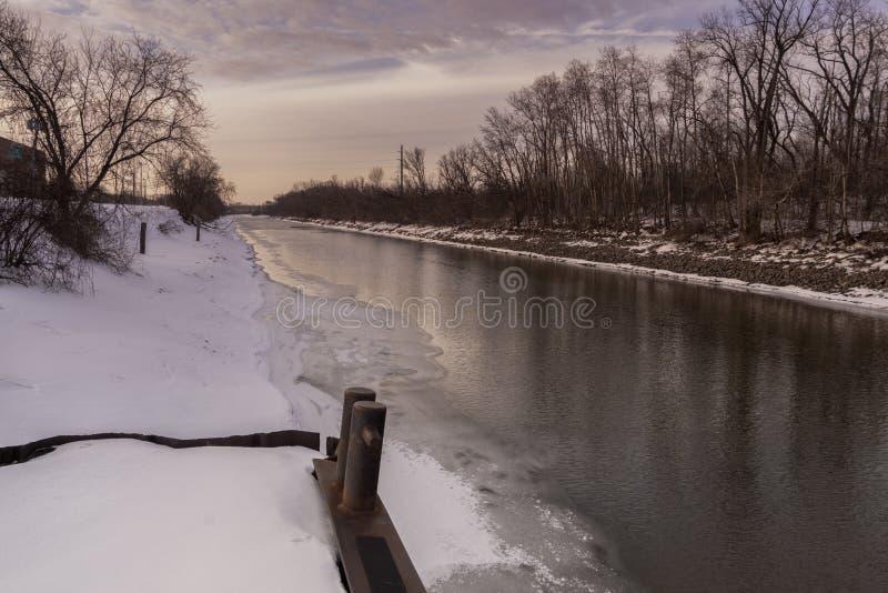 Rivière de Mohawk à Utica photographie stock libre de droits