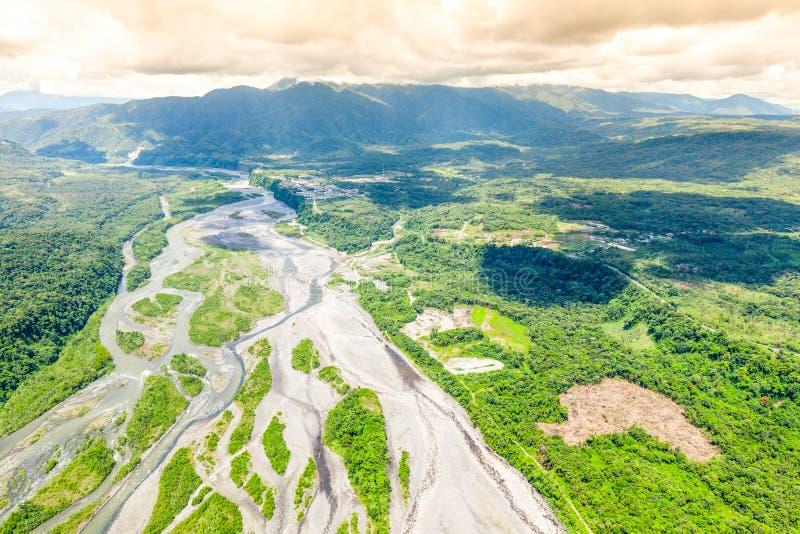 Rivière de Pastaza sortant des montagnes Equateur des Andes photos libres de droits