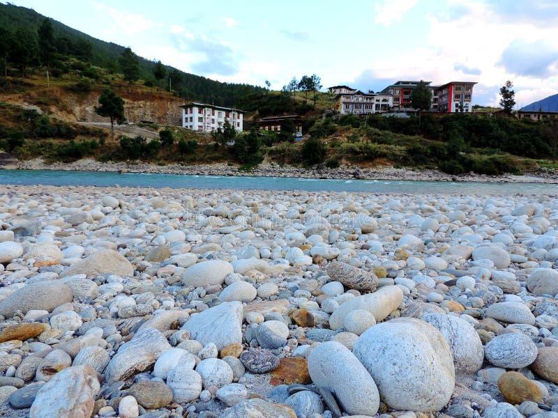 Rivière de Pho Chu, Punakha, Bhutan photo stock