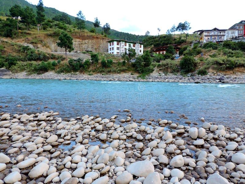 Rivière de Pho Chu, Punakha, Bhutan image libre de droits