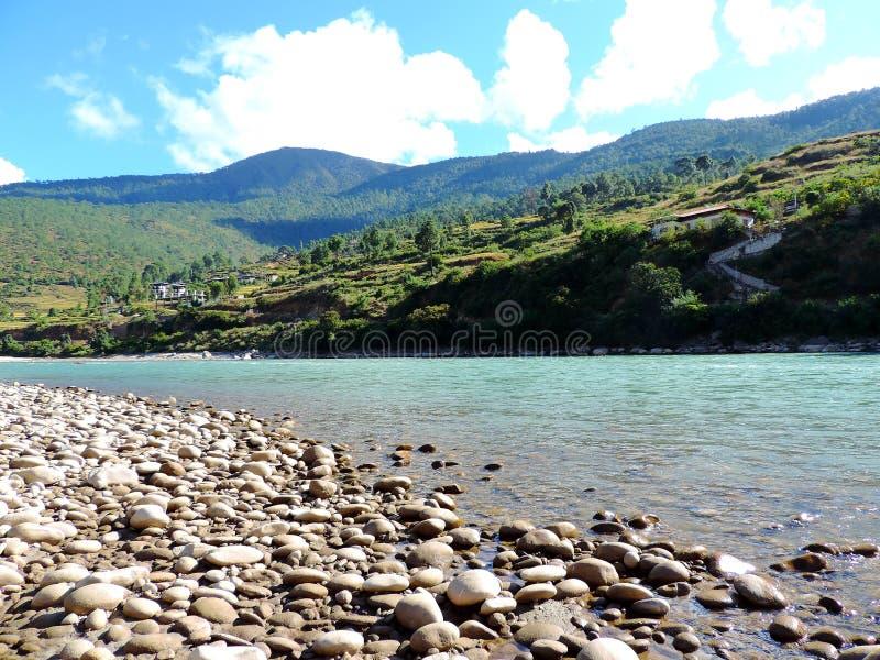 Rivière de Pho Chu, Punakha, Bhutan photo libre de droits