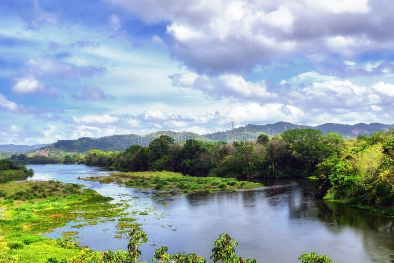 Rivière de Rio Chagres, parc national de Changres, Panama photo libre de droits