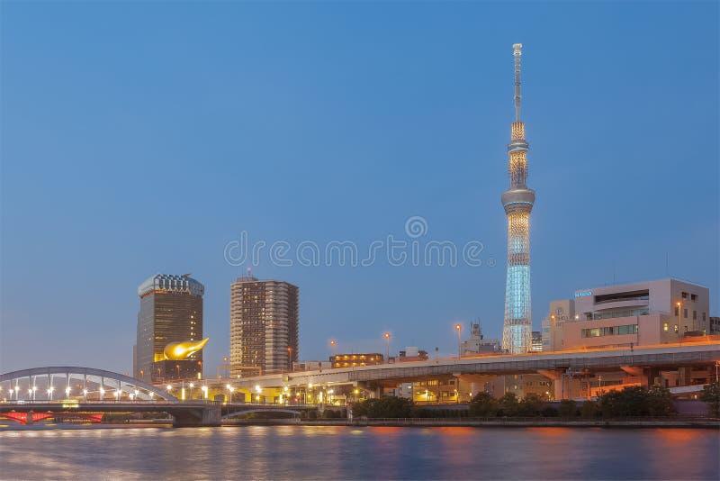 Download Rivière De Tokyo Sumida Et Skytree De Tokyo Image stock - Image du cityscape, beau: 87701579