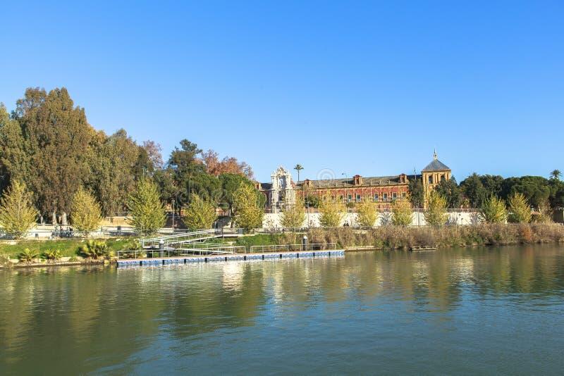 Rivière du Guadalquivir chez Séville, Espagne photographie stock libre de droits