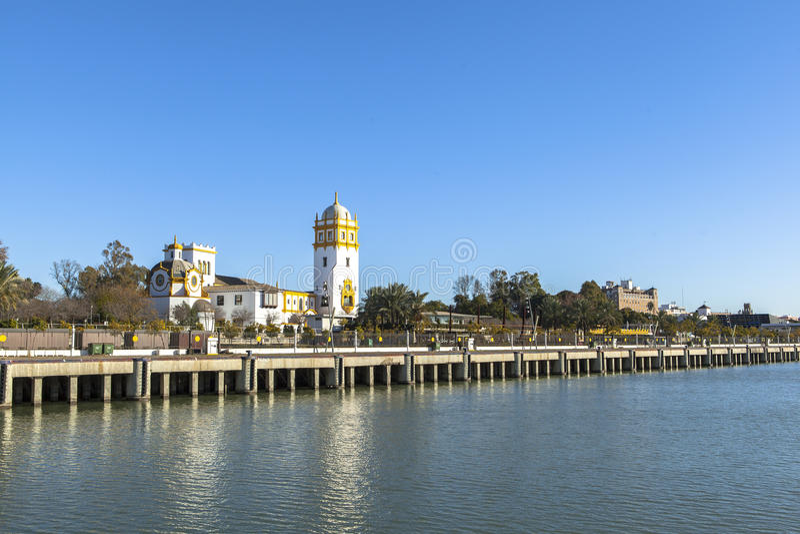 Rivière du Guadalquivir chez Séville, Espagne photos libres de droits