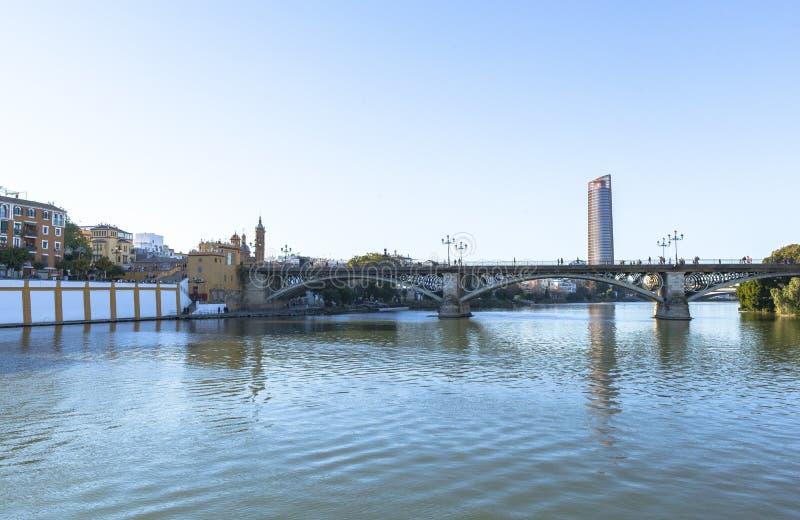 Rivière du Guadalquivir chez Séville, Espagne photo stock