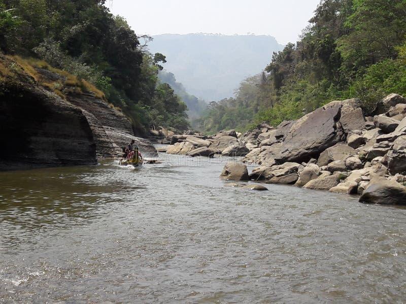 Rivière en pierre photo stock