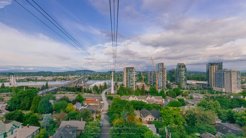 Rivière et paysage de Willamette de tram aérien à Portland, Etats-Unis photos stock
