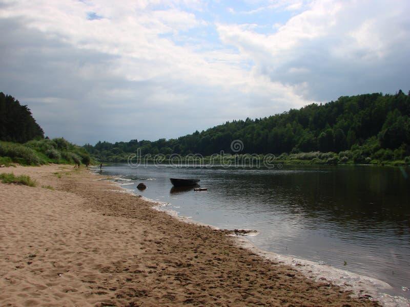 Rivière occidentale de Dvina au Belarus photo stock