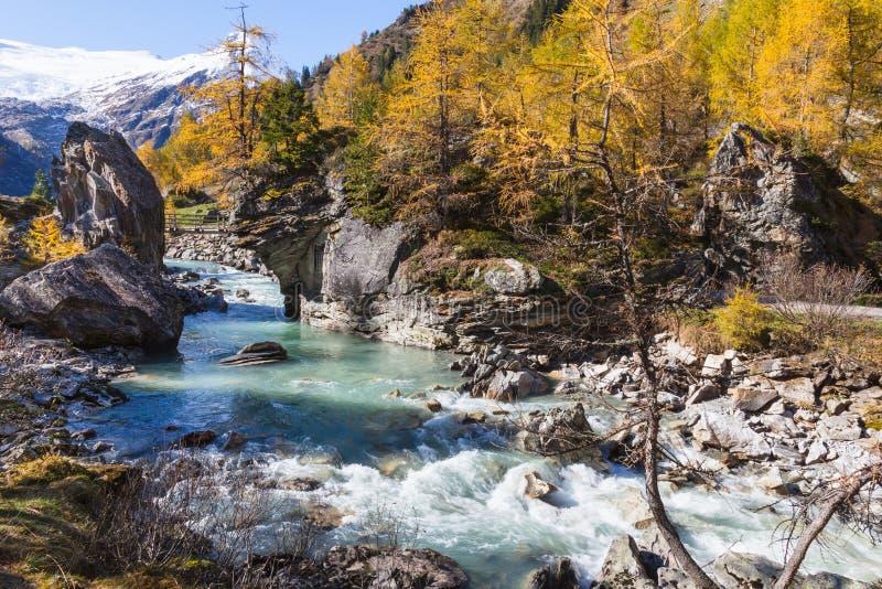 Rivière rapide photos stock