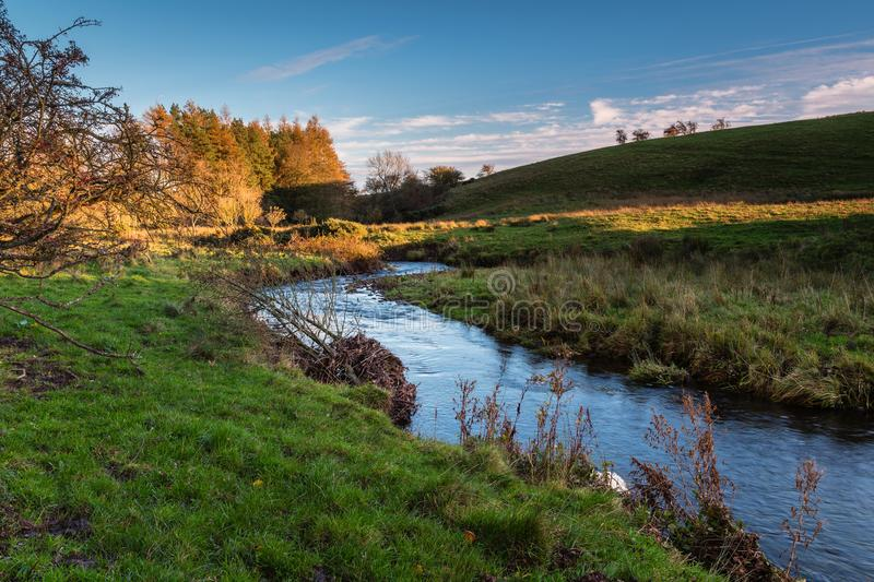 Rivière Wansbeck chez Kirkwhelpington photo stock