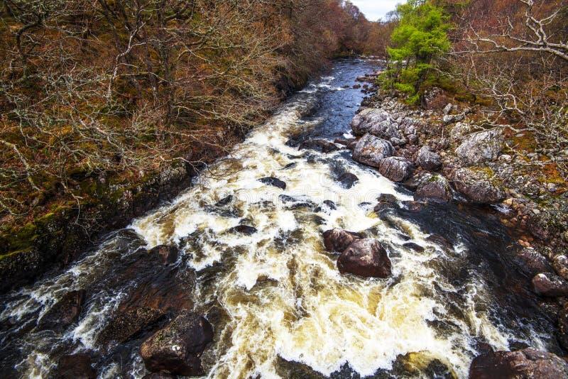 Rivières sauvages de l'Ecosse - activités de sports aquatiques images stock