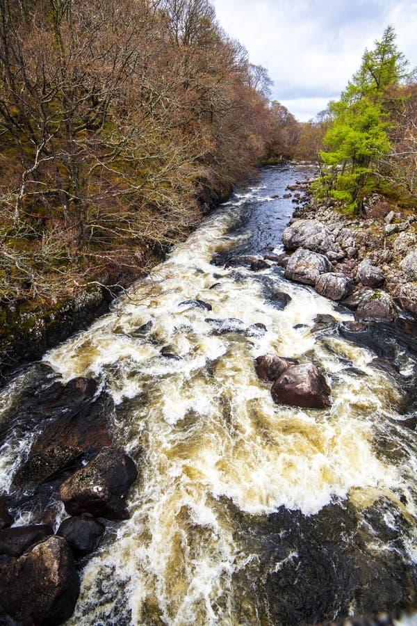 Rivières sauvages de l'Ecosse - activités de sports aquatiques photo libre de droits
