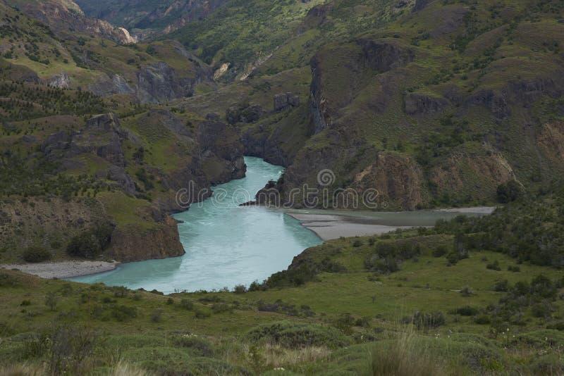 Rivières se réunissant le long du Carretera austral dans le Patagonia, Chili photographie stock libre de droits