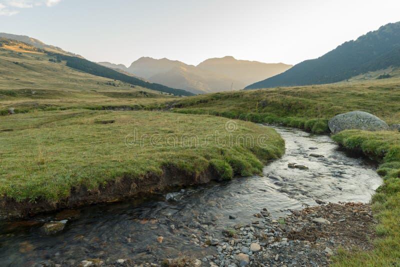 Rivier in Baqueira in de Zomer, Valle DE Aran stock afbeelding