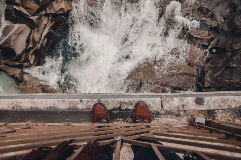 Rivier in de bergen van bukovel stock foto's