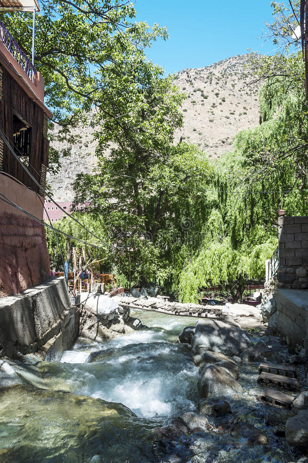 Rivier in de bergen van Marokko royalty-vrije stock foto's