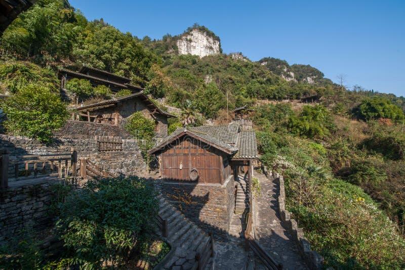 Rivier Drie Kloven Dengying Xia van Hubeiyiling Yangtze in het van de Klovenmensen ` van ` Drie plattelandshuisje van de Bedelaar royalty-vrije stock foto