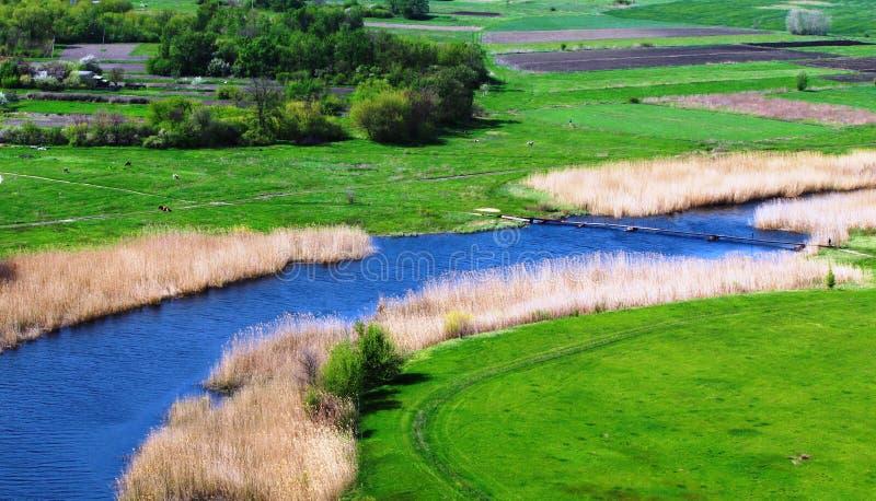 Rivier en landschap royalty-vrije stock afbeelding