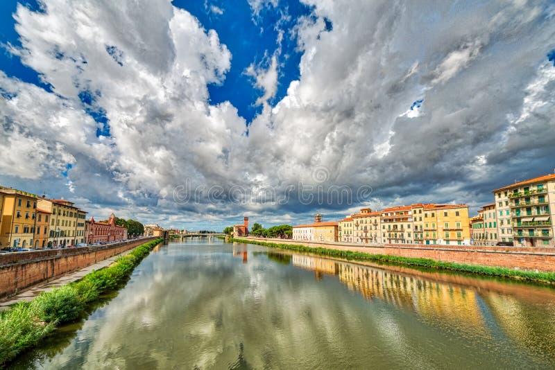 Rivier in Pisa royalty-vrije stock fotografie
