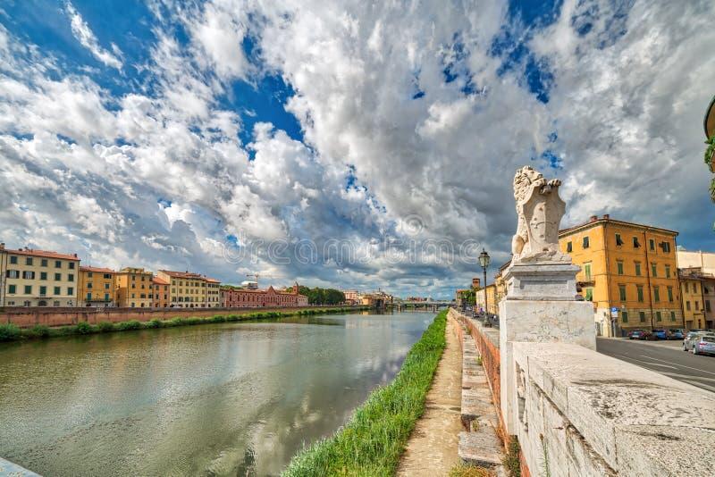Rivier in Pisa stock afbeeldingen