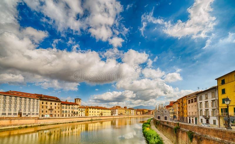 Rivier in Pisa stock foto