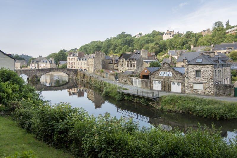 Rivier Rance in Dinan, Bretagne, Frankrijk royalty-vrije stock afbeelding
