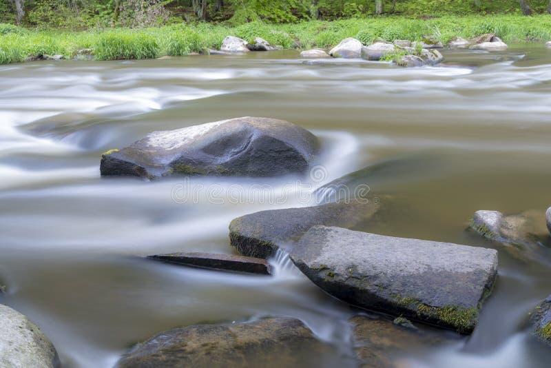 rivier Sazava dichtbij Smrcna, Tsjechische Republiek royalty-vrije stock afbeelding