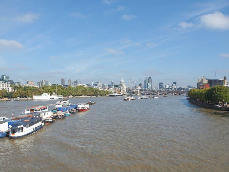Download Rivier Theems in Londen stock foto. Afbeelding bestaande uit europa - 39115890