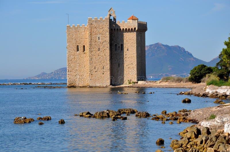 Riviera francese, isola di Honorat del san, ha fortificato il monastero immagine stock libera da diritti