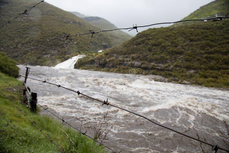 Rivieren in vloed in Lesotho royalty-vrije stock afbeeldingen