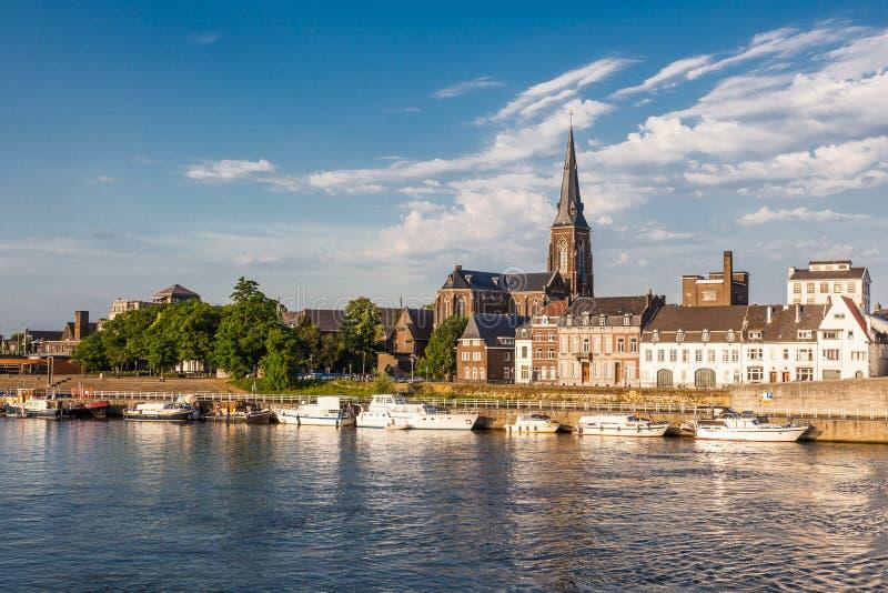 Rivieroever in Maastricht stock foto's