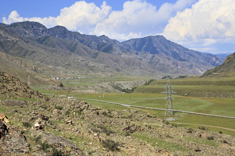 Rivierterrassen van bergrivieren Chuya en Katun stock fotografie